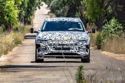 Audi E-Tron Quattro sẽ ra mắt vào ngày 30 tháng 8 tới z