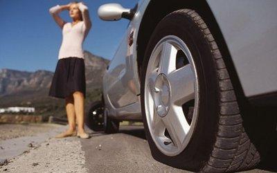 Lái xe khi lốp ô tô non hơi - đừng đùa với tử thần