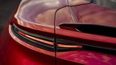 Aston Martin BDS Superleggera trình làng, thế chân Vanquish 17