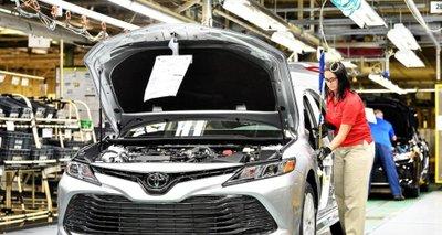 Mỹ tăng thuế, Toyota Camry nhập khẩu phải đội giá.