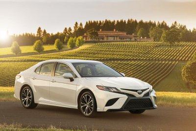 Mỹ tăng thuế, Toyota Camry nhập khẩu phải đội giá 5