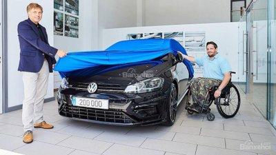 Volkswagen R ăn mừng cán mốc doanh số 200.000 chiếc - 1