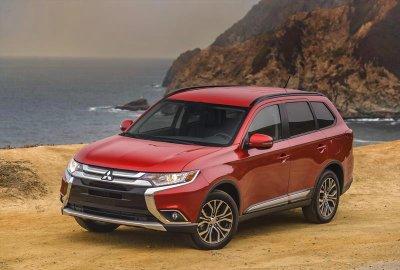 Crossover bán chạy nhất nửa đầu 2018: Mitsubishi Outlander...