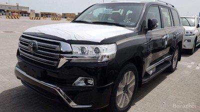 Toyota Land Cruiser mới về Việt Nam dưới dạng nhập khẩu tư nhân..