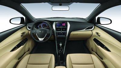 Khoang nội thất Toyota Yaris 2018...