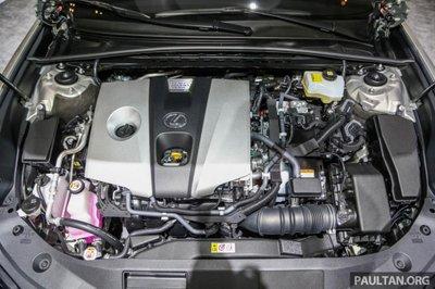 Soi chiếc Lexus ES 2019 đầu tiên cập bến Indonesia a9