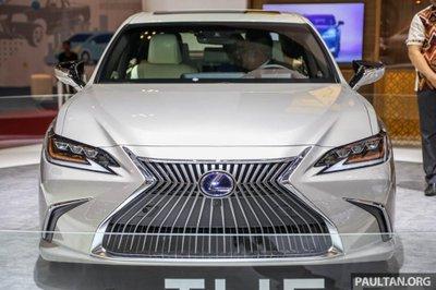 Soi chiếc Lexus ES 2019 đầu tiên cập bến Indonesia a2