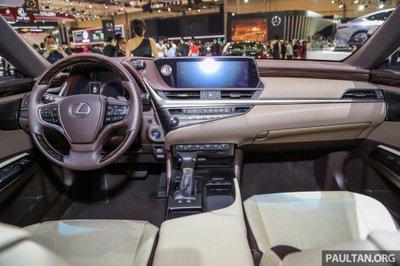 Soi chiếc Lexus ES 2019 đầu tiên cập bến Indonesia a7