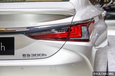 Soi chiếc Lexus ES 2019 đầu tiên cập bến Indonesia a6