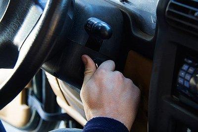 Âm thanh lạch cạch khi khởi động xe do thiếu dầu động cơ