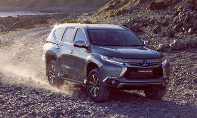 Mitsubishi Pajero Sport 2018 giảm sốc gần 200 triệu, thêm 2 bản mới giá mềm..
