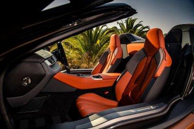 BMW i8 Roadster chốt giá 3,8 tỷ đồng tại Anh a6