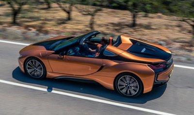 BMW i8 Roadster chốt giá 3,8 tỷ đồng tại Anh a3