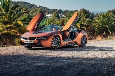 BMW i8 Roadster chốt giá 3,8 tỷ đồng tại Anh a4