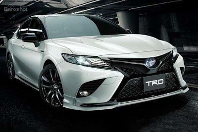 Vén màn bản độ Toyota Camry TRD thể thao và hầm hố hơn - 1