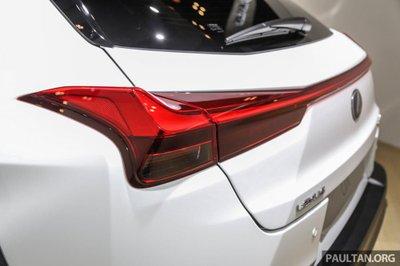 Lexus UX 2019 ra mắt chính thức khách hàng Indonesia a3