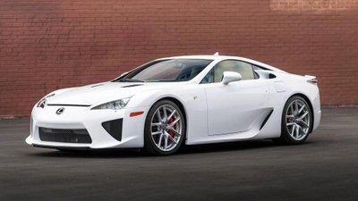 Chiếc siêu xe Lexus LFA thuộc diện hàng hiếm sắp lên sàn đấu giá a1