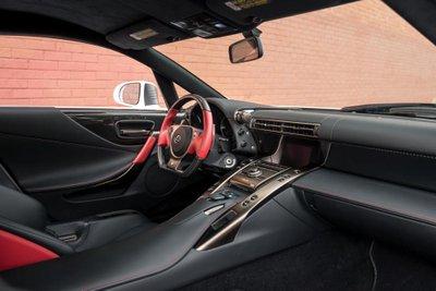 Chiếc siêu xe Lexus LFA thuộc diện hàng hiếm sắp lên sàn đấu giá a24