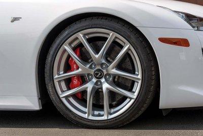 Chiếc siêu xe Lexus LFA thuộc diện hàng hiếm sắp lên sàn đấu giá a16