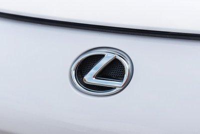 Chiếc siêu xe Lexus LFA thuộc diện hàng hiếm sắp lên sàn đấu giá a20