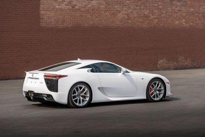 Chiếc siêu xe Lexus LFA thuộc diện hàng hiếm sắp lên sàn đấu giá a8