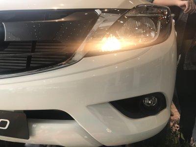 Miễn thuế và thêm trang bị, giá xe Mazda BT-50 2018 nhập giảm mạnh a5
