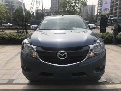 Miễn thuế và thêm trang bị, giá xe Mazda BT-50 2018 nhập giảm mạnh a2