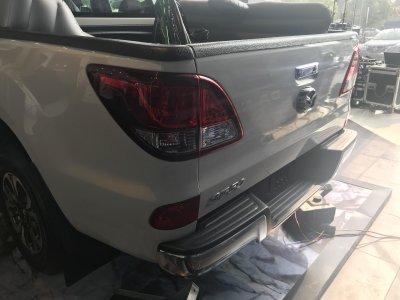 Miễn thuế và thêm trang bị, giá xe Mazda BT-50 2018 nhập giảm mạnh a6
