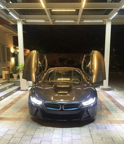 Siêu xe BMW i8 tại Việt Nam có giá bao nhiêu? a3