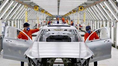 Trung Quốc tăng thuế nhập khẩu ô tô từ Mỹ lên mức 25% 1