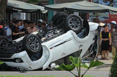 """Kỹ sư Lê Văn Tạch lý giải vì sao Toyota Fortuner có biệt danh """"thánh lật"""" a2"""