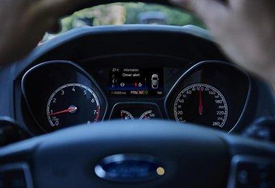 Xe ô tô hoạt động vòng tua máy bao nhiêu vòng/phút là bình thường?
