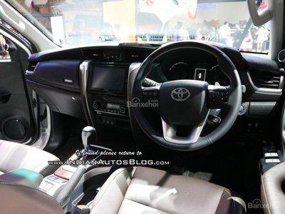 Toyota Fortuner TRD Matte Dual-Tone khoe sắc GIIAS 2018 - 3