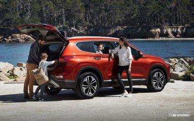 Đại lý nhận đặt hàng Hyundai Santa Fe 2019 mới, hẹn giao xe tháng 11..