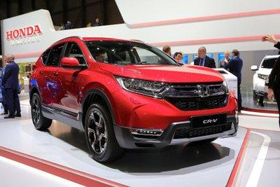 Top 5 crossover tháng 7/2018 tại Việt Nam: Mazda CX-5 xưng bá, Honda CR-V lao dốc 7