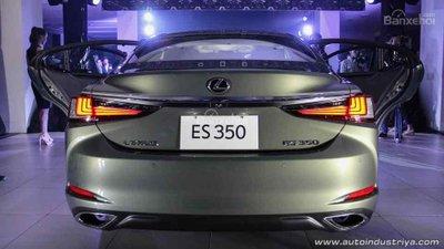Lexus ES 350 2019 cập nhật mới với giá gần 2 tỷ đồng - 2