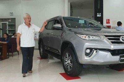 """Vụ Toyota Fortuner bán kèm phụ kiện trăm triệu: Đại lý """"hạ nhiệt"""" do khách làm căng a6"""