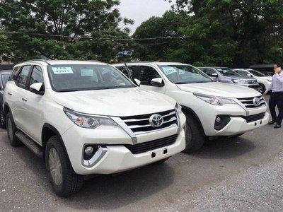 """Vụ Toyota Fortuner bán kèm phụ kiện giá """"chát: Khách hàng bức xúc, đại lý hạ nhiệt a4"""