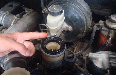 4 nguyên nhân chính khiến động cơ ô tô nhanh bị hỏng 3.