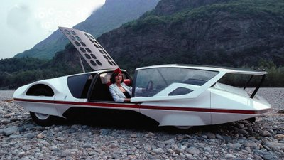 Người đẹp bên mẫu Ferrari 512S Modulo Concept phong cách phi thuyền - Ảnh 2.