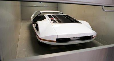 Người đẹp bên mẫu Ferrari 512S Modulo Concept phong cách phi thuyền - Ảnh 9.