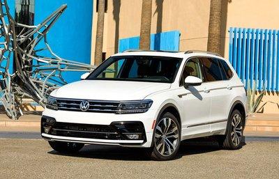 Lỗi đèn cửa sổ trời, 700.000 xe Volkswagen Tiguan và Touran bị triệu hồi trên thế giới.