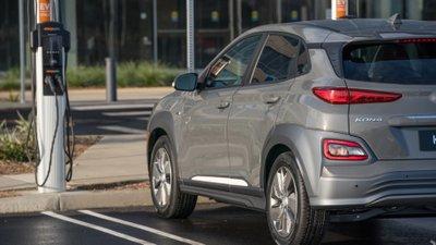 Hyundai Kona Electric ''''''''vượt mặt'''''''' đối thủ về quãng đường di chuyển - Ảnh 3.