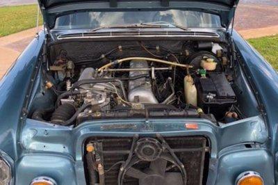 Trang bị động cơ Mercedes-Benz 280 SEL