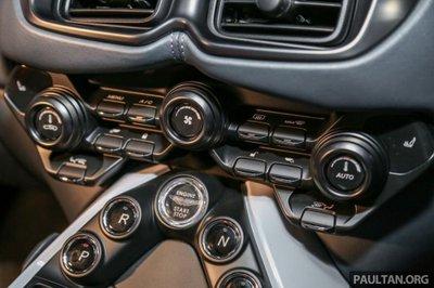 Aston Martin V8 Vantage 2018 trình làng tại Malaysia, giá hơn 8 tỷ 17