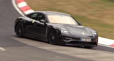 """Video: Porsche Taycan lướt """"êm như ru"""" trên đường đua Nurburgring  a1"""
