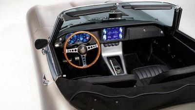 Jaguar E-Type trình làng phiên bản chạy điện 9