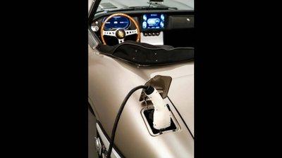 Jaguar E-Type trình làng phiên bản chạy điện 16