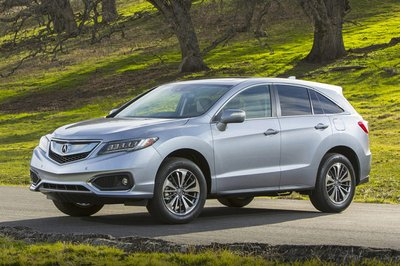 10 xe sang an toàn có giá dưới 1,1 tỷ đồng đáng mua nhất: Kia Stinger đầu bảng 7.