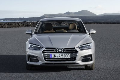 10 xe sang an toàn có giá dưới 1,1 tỷ đồng đáng mua nhất: Kia Stinger đầu bảng 4.
